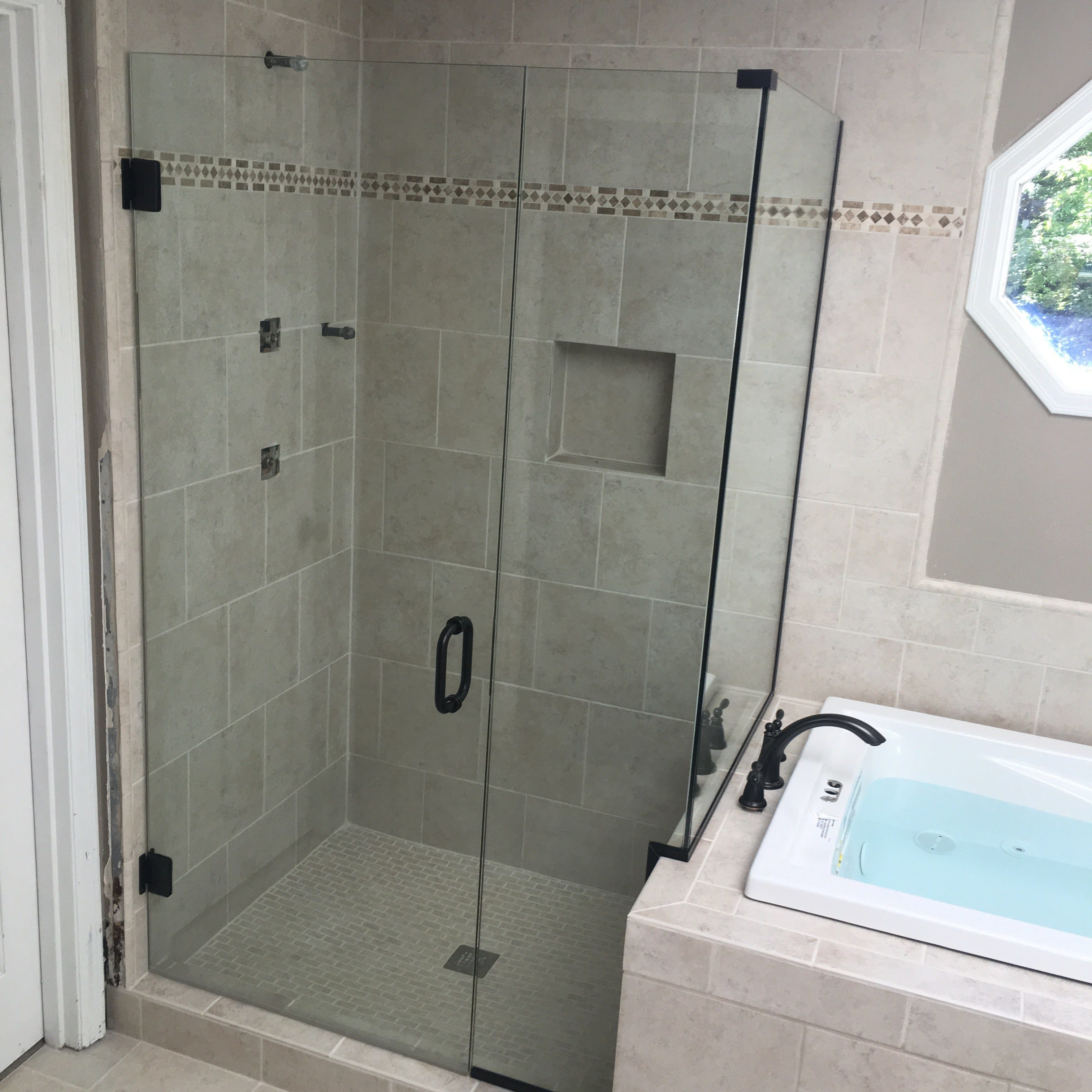 Seattle Glass Pro | Glass Replacement | Glass Shower Door ...